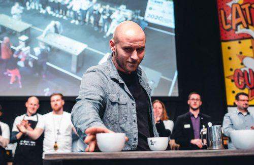 cuptastingmeister-denes-slider